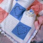 üç renkli kareli bebek battaniye modelleri