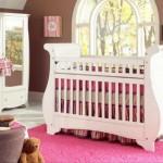 pembe beyaz mobilyalı kız bebek beşik modelleri