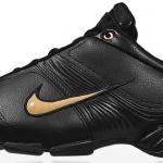 Parlak siyah deri Nike Erkek Spor Ayakkabı Modelleri
