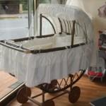 Tekerlekli Bebek Beşiği Modeli 0 150x150  Bebek Beşik Modelleri