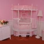 köşe pembe beyaz kız bebek beşik modelleri