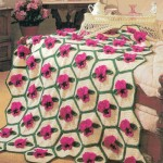 gül motifli petek desenli bebek battaniye modelleri 150x150 Bebek Battaniye Modelleri