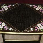 köşeleri çiçekli çatlatma teknikli el yapımı zigon sehpa modelleri