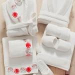 kırmızı çiçekli özdilek bornoz-havlu takımları