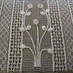 kabartma çiçekli el örgü perde modelleri