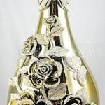 kabartma stili güllerden altın sarısı salon süs eşyası modelleri