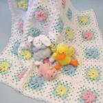kareli rengarenk çiçekli bebek battaniye modelleri
