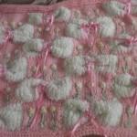 pembe beyaz bebek battaniye modelleri 150x150 Bebek Battaniye Modelleri