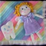 rengarenk ve kız motifli bebek battaniye modelleri