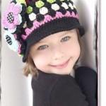 renkli örgü bebek şapka modelleri