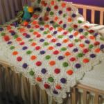 renkli güllü bebek battaniye modelleri 150x150 Bebek Battaniye Modelleri