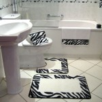 siyah beyaz havusu ile takım banyo halıları modelleri 150x150 Banyo Halıları Modelleri