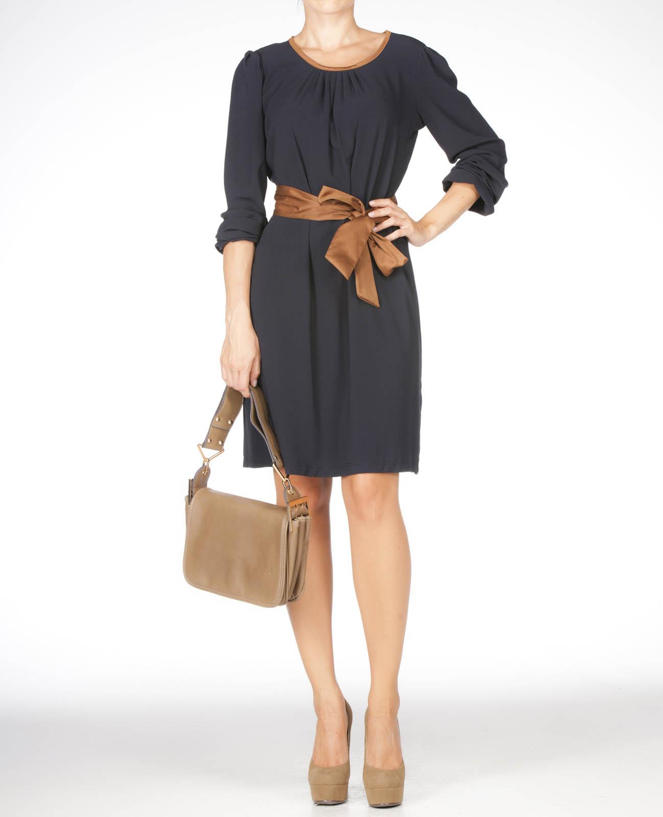 Siyah renkli diz üstü kemerli adil ışık bayan elbise modeli